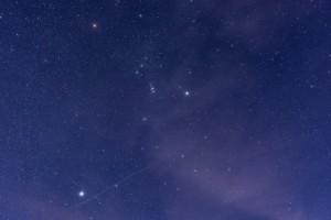 Het sterrenbeeld Orion aan de nachtelijke hemel