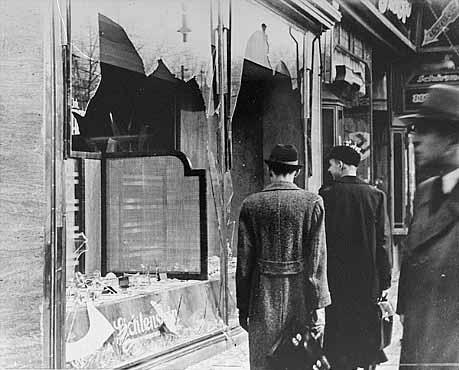 winkels een dag na Kristallnacht