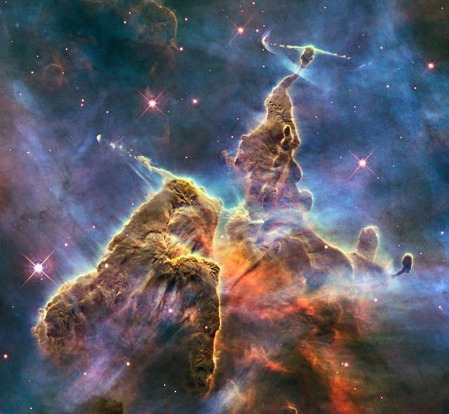 De in 1751 ontdekte 'Carinanevel'. De nevel wordt geschat op een afstand van bijna 10.000 km van de Aarde.
